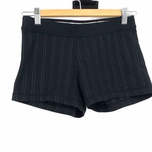 Lululemon fitted black striped shorts size 6